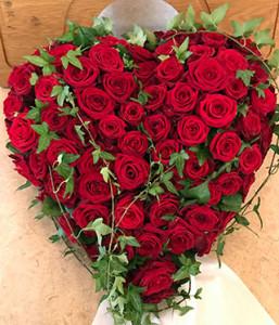 Hjärta av rosor